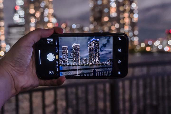 スマートフォンで風景を撮影